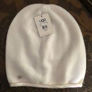 Ugg cream colored soft skully hat